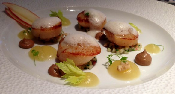 Pan-fried sea scallops @ Restaurant Gordon Ramsay